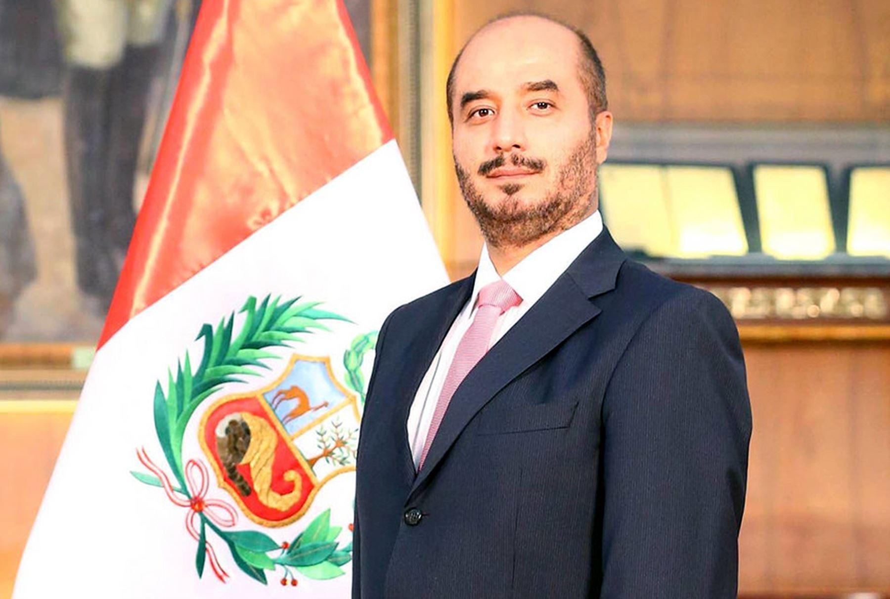 Ministro jos luis p rez guadalupe asume esta ma ana for Nuevo ministro del interior peru