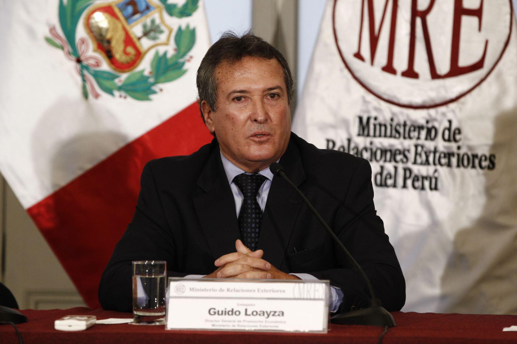 Lima Per Febrero 18 Exposici N Del Embajador Guido Loayza Durante La Presentaci N De La