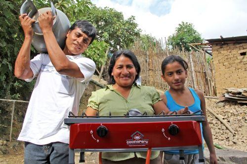 Cocina entregadas por el MEM que mejoran la vida de las familias más pobres.