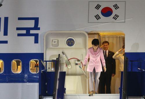 CALLAO,PERÚ - ABRIL 18. Llegada al Perú de la presidenta de Corea del Sur, Park Geun-hye.  Foto: ANDINA/Vidal Tarqui