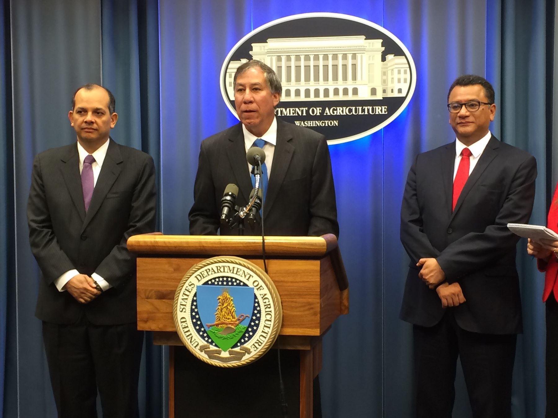 Departamento de Agricultura suscribe convenio con Peru.