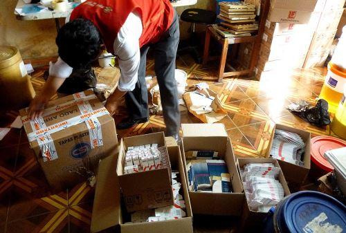 Laboratorios clandestinos hallaron en SMP y Los Olivos. Foto: Minsa