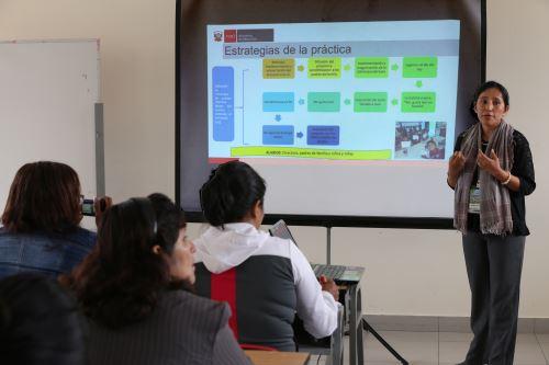 LIMA,PERU MAYO 30.  Ministro de Educación, Jaime Saavedra,  en el II Concurso de Buenas Prácticas Docentes Foto: ANDINA/Norman Córdova