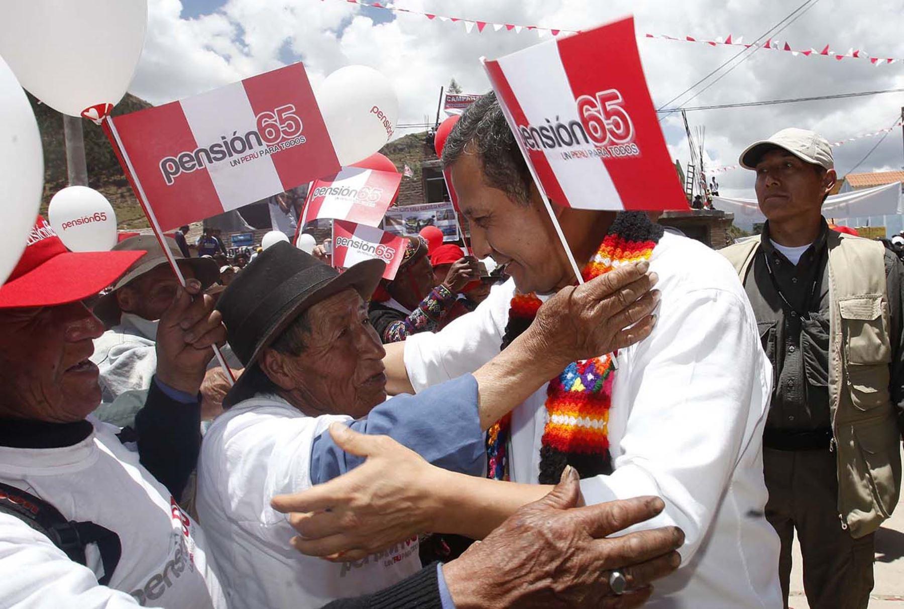 Presidente de la República Ollanta Humala lanza Pensión 65 en el distrito de Yauli Foto: ANDINA/Luis Iparraguirre
