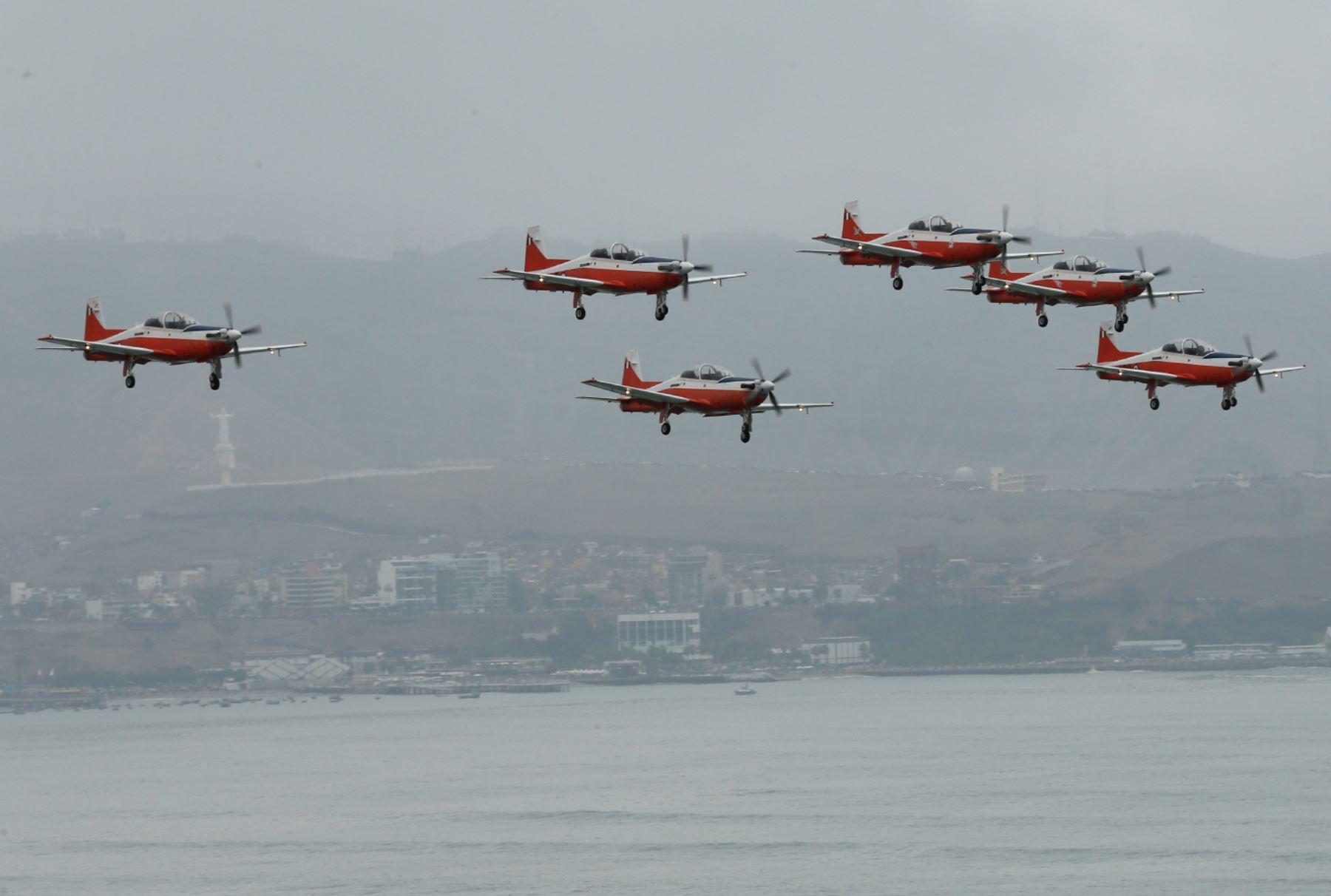 LIMA PERU, AGOSTO 02.Desfile aéreo y naval, por el 194° aniversario de la Independencia Nacional.Foto: ANDINA/Norman Cordova