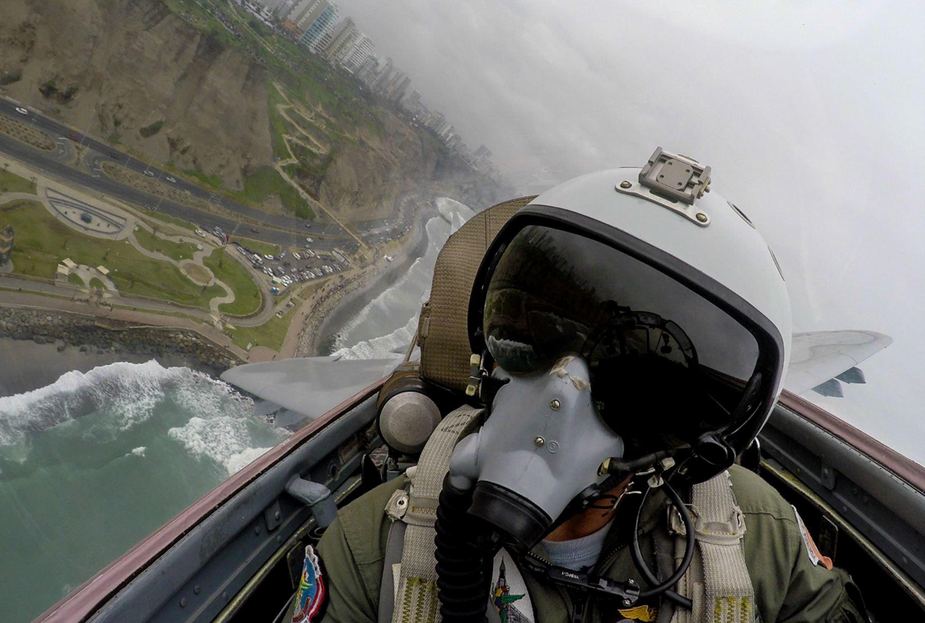 LIMA PERU, AGOSTO 02.Desfile aéreo y naval, por el 194° aniversario de la Independencia Nacional.Foto: ANDINA/Carlos Lezama