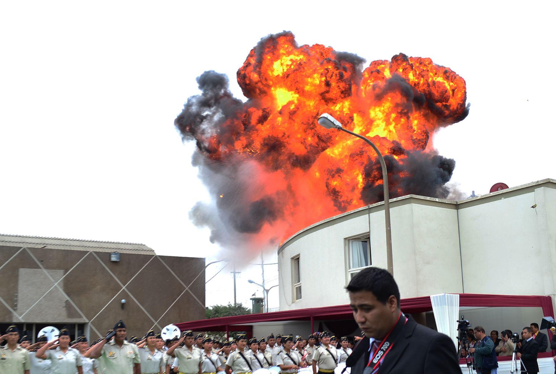 CALLAO - PERÚ, AGOSTO 03. Explosión durante graduación de nuevos agentes en el INPE. Foto: ANDINA/ Diana Marcelo