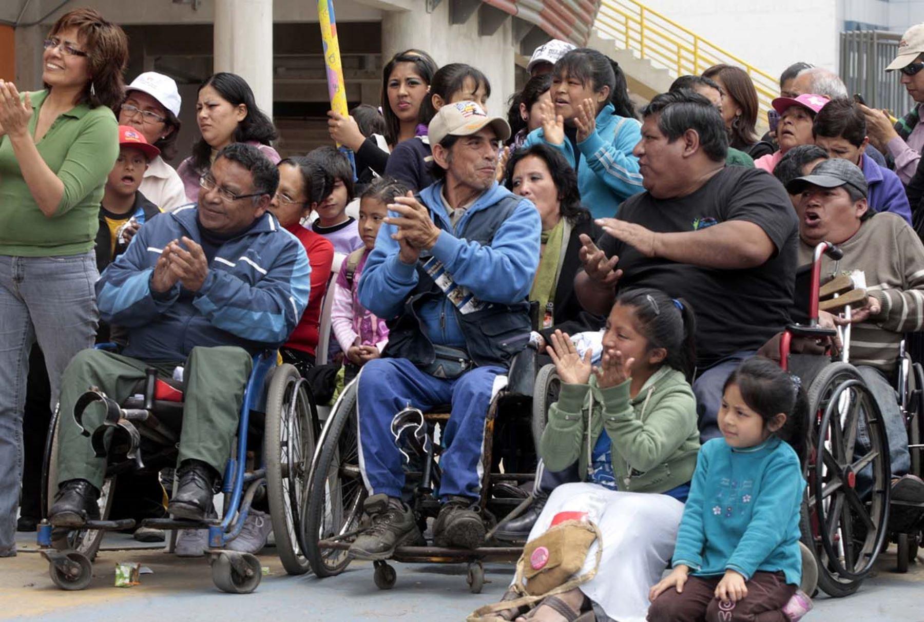 Resultado de imagen para personas con discapacidad peru