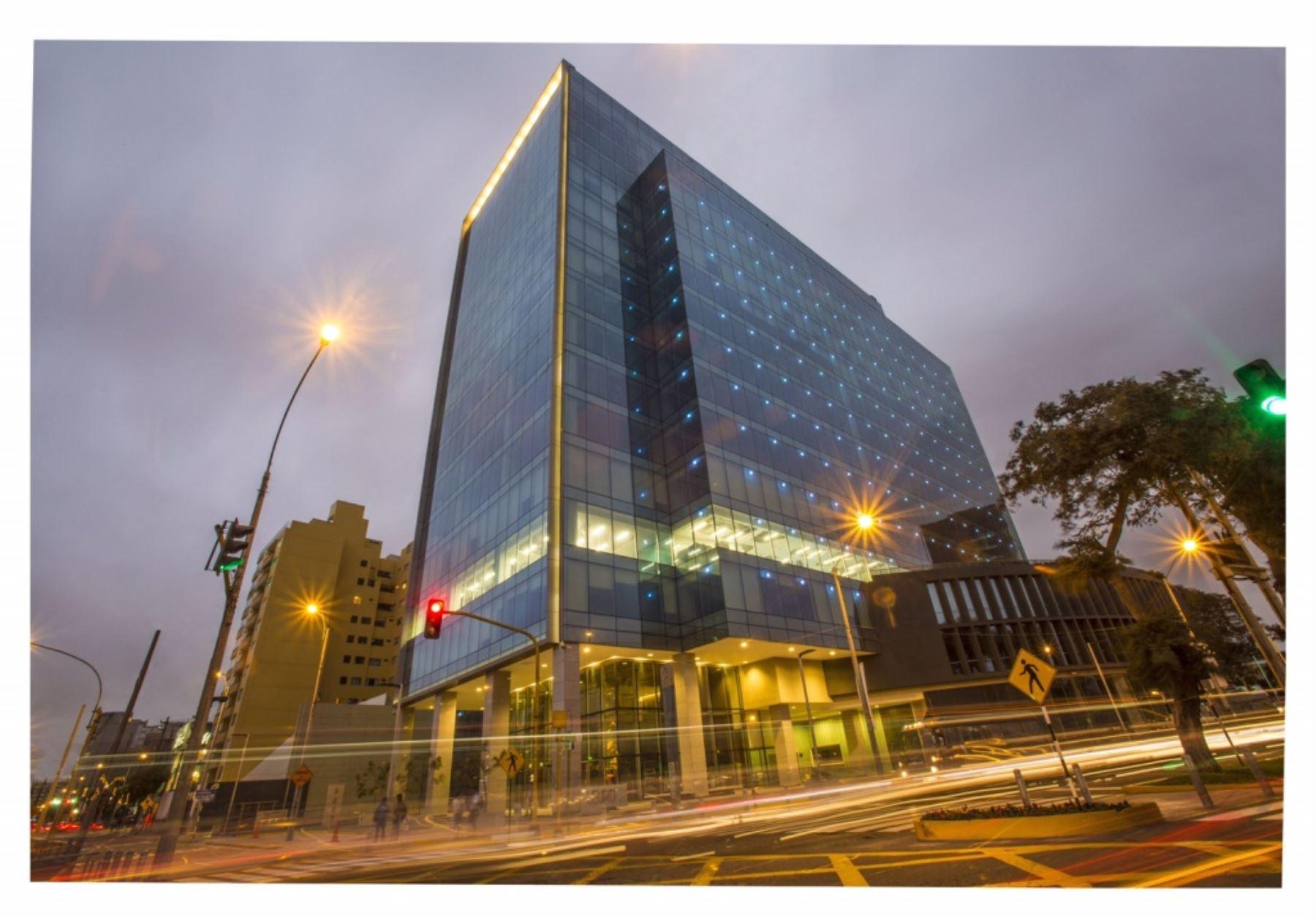 primer edificio sostenible del pas se encuentra en miraflores portada edificio sostenible