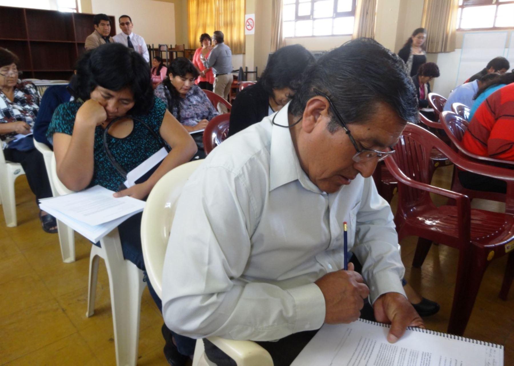 Moquegua m s de 1 900 profesores participar n en concurso for Concurso para plazas docentes