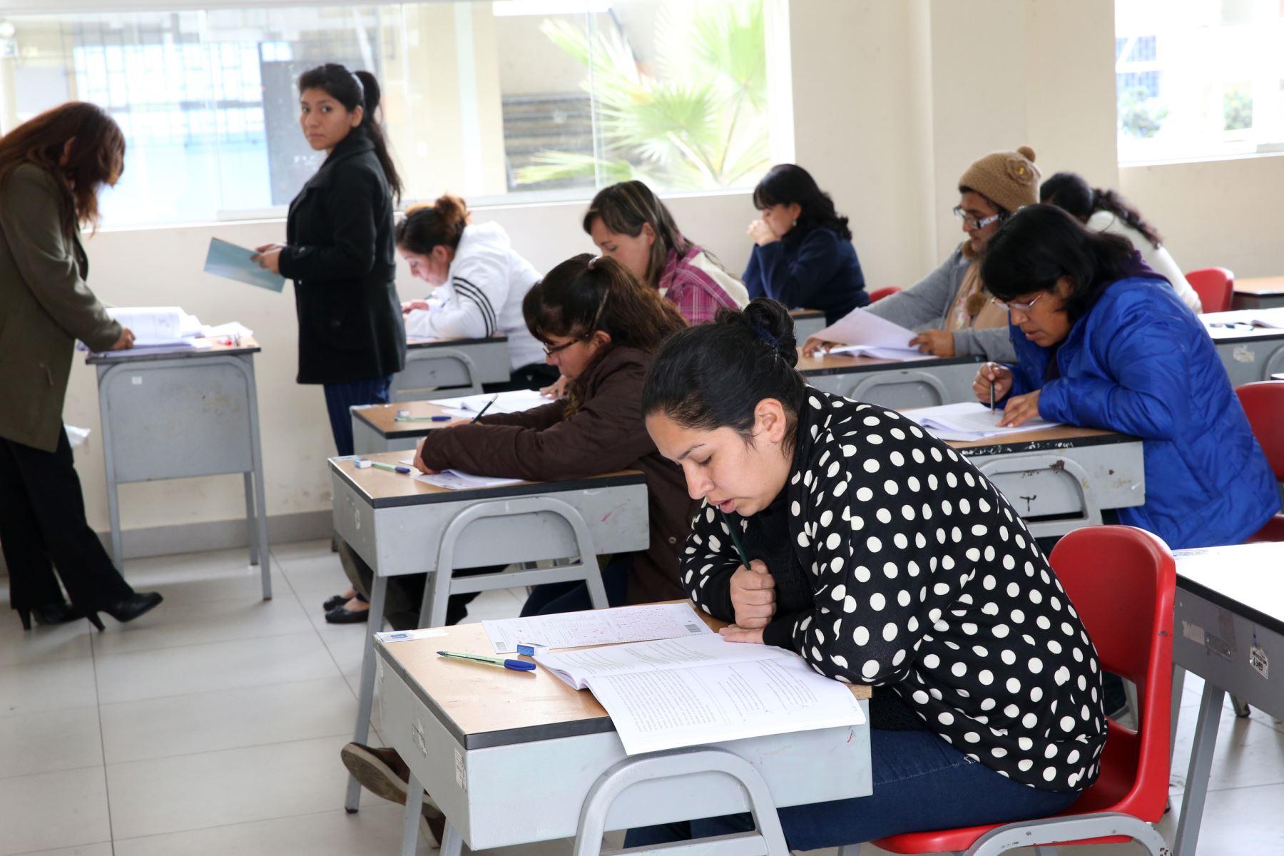 Minedu contratar a 80 mil docentes para ense anza durante for Concurso de plazas docentes 2016