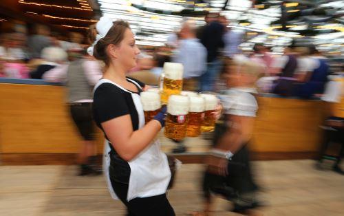 182º edición de la Oktoberfest, el mayor festival dedicado a la cerveza en todo el mundo. Foto: AFP