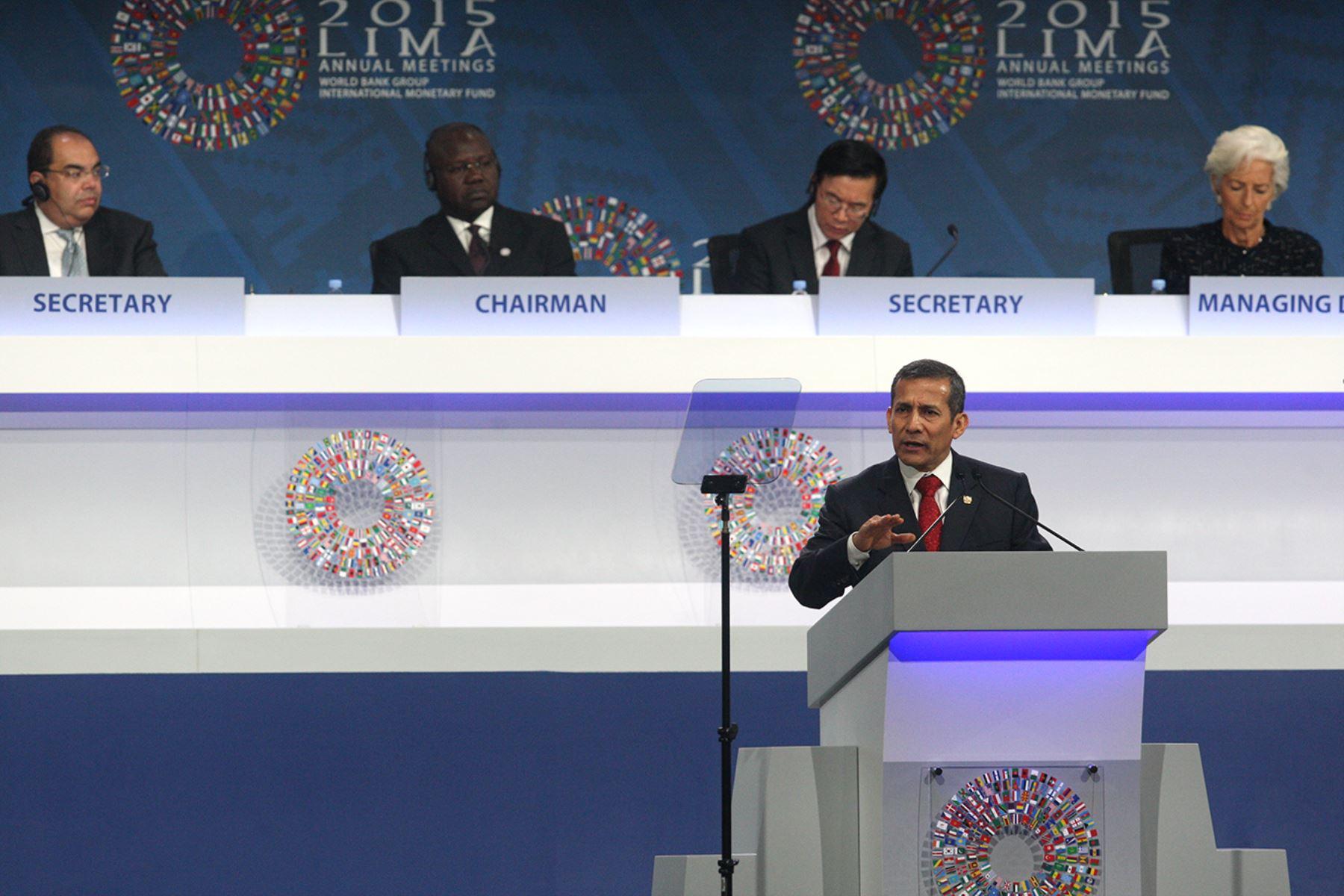 LIMA, PERÚ - OCTUBRE 09. El Presidente Ollanta Humala inauguró la sesión plenaria de las Reuniones Anuales.  Foto: ANDINA/Juan Carlos Guzmán Negrini.