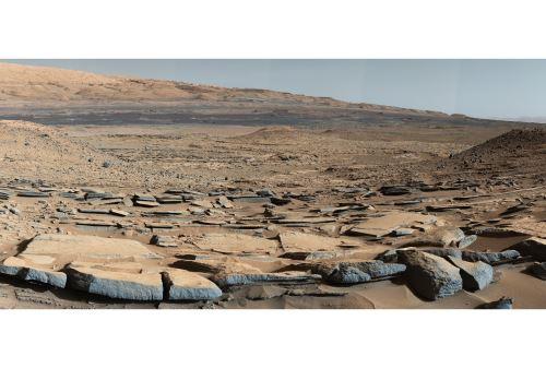 """Esta imagen de la NASA muestra una vista de la formación """"Kimberley"""" en Marte tomada por Curiosity. Foto: AFP"""
