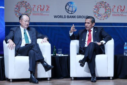LIMA PERÚ, OCTUBRE 9. Presidente Ollanta Humala, se presenta junto al Presidente del Banco Mundial, Yim Yong Kim, Secretario General de las Naciones Unidas, Ban Ki Moon, Directora del FMI, Christine Lagarde. Foto: ANDINA/Melina Mejía