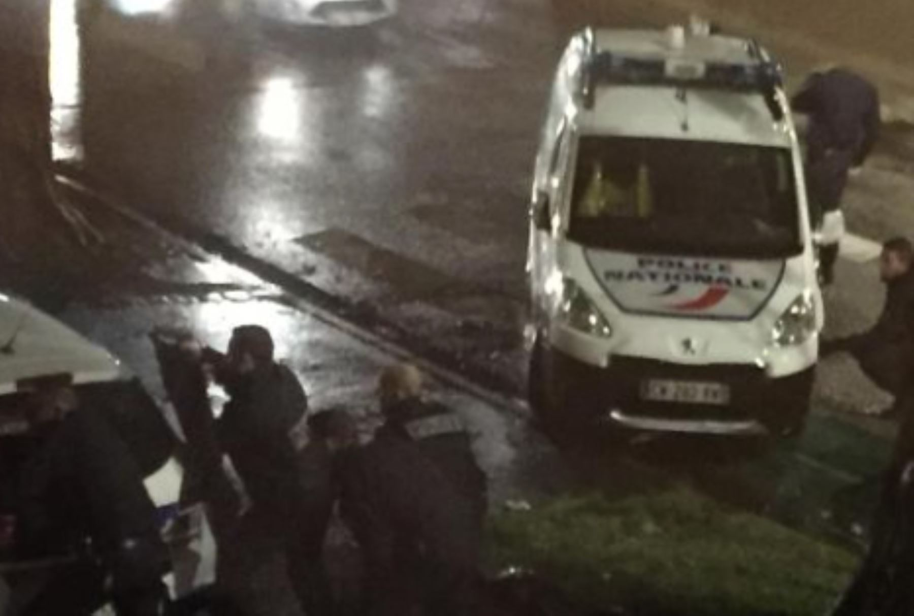 Hombres armados toman rehenes en la ciudad francesa de Roubaix. Foto: Twitter