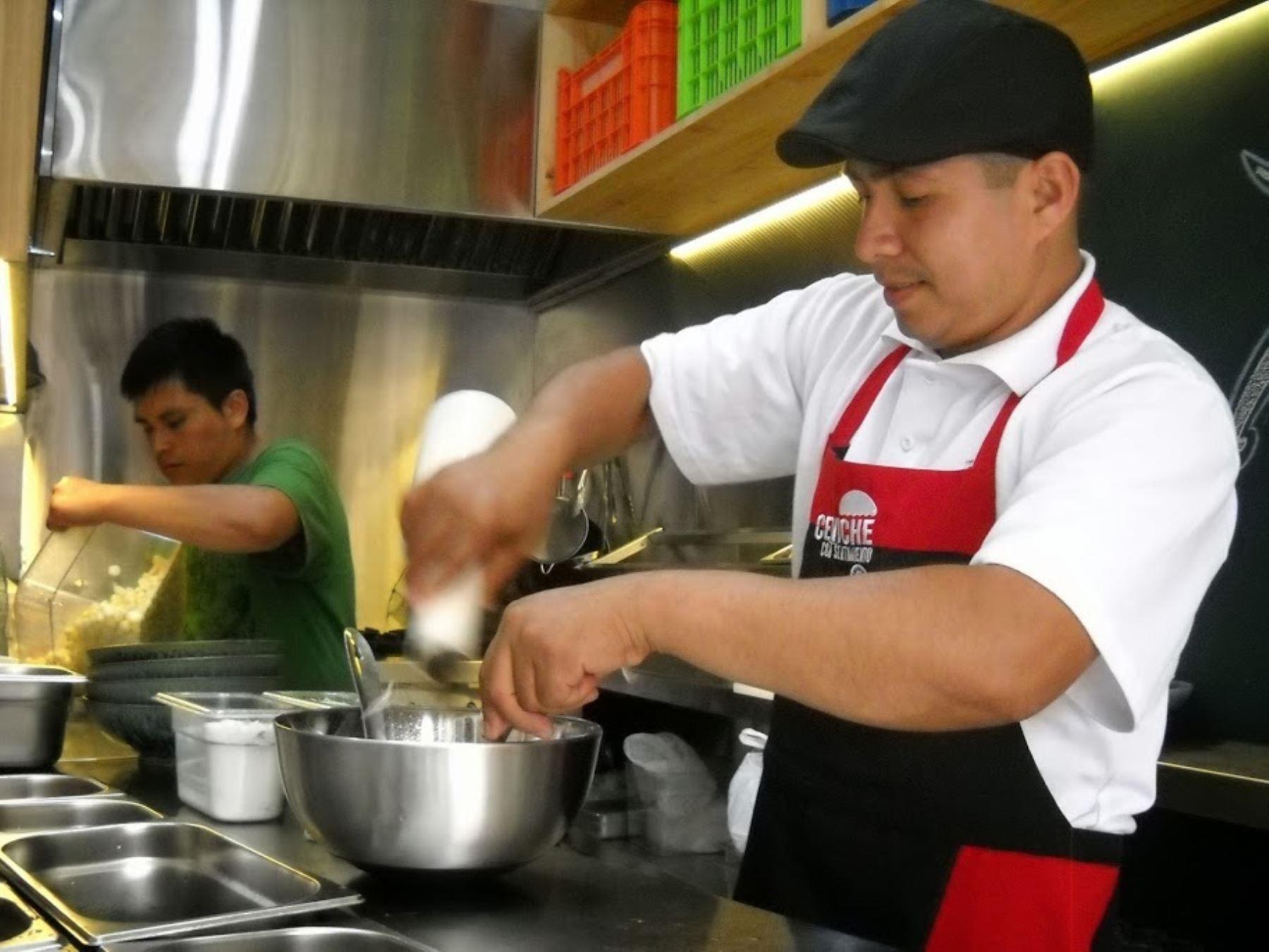 Distinguir n a 37 restaurantes por buenas pr cticas de for Buenas practicas de manipulacion de alimentos