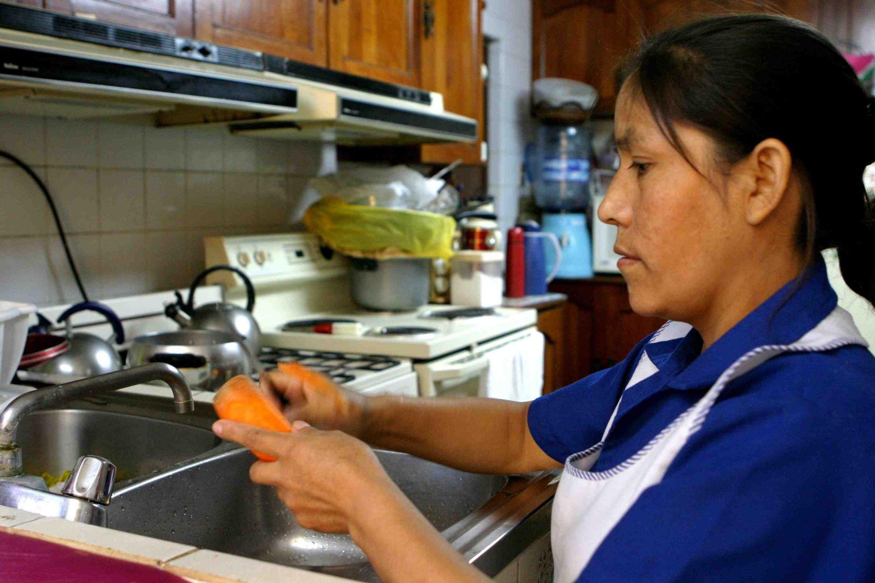 Mimp m s trabajadoras del hogar gozar n de seguro social for Formulario trabajadores del hogar