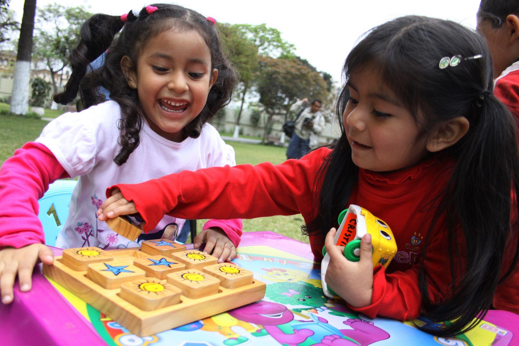 En barrio Santa Bárbara realizan padrón de niños para recibir juguetes