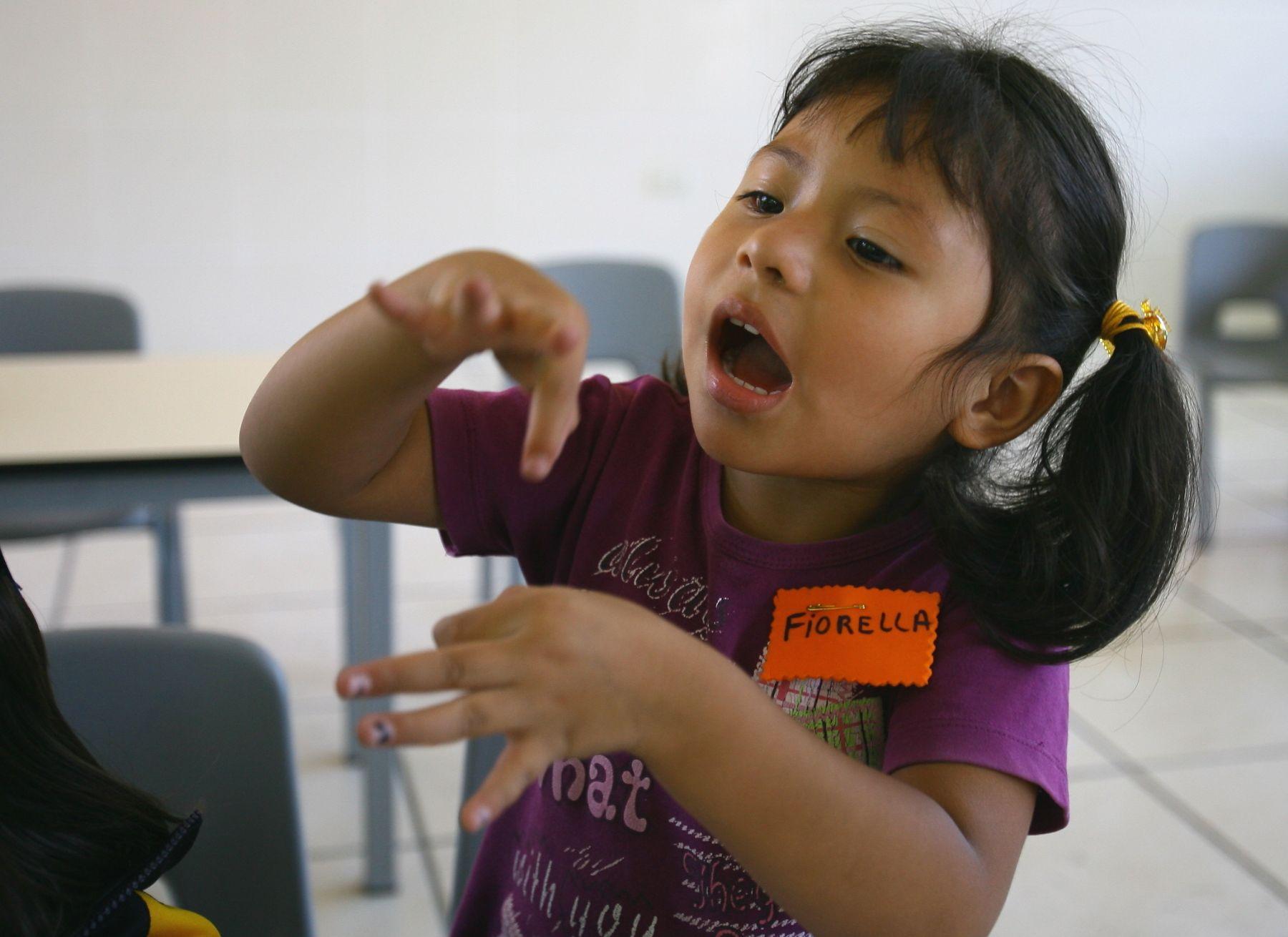 Niños sordos demandan que dibujos animados incluyan ...