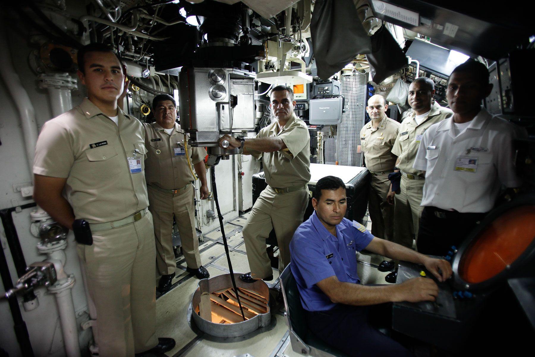 Lugares tur sticos para visitar en el callao te muestro for Interior submarino