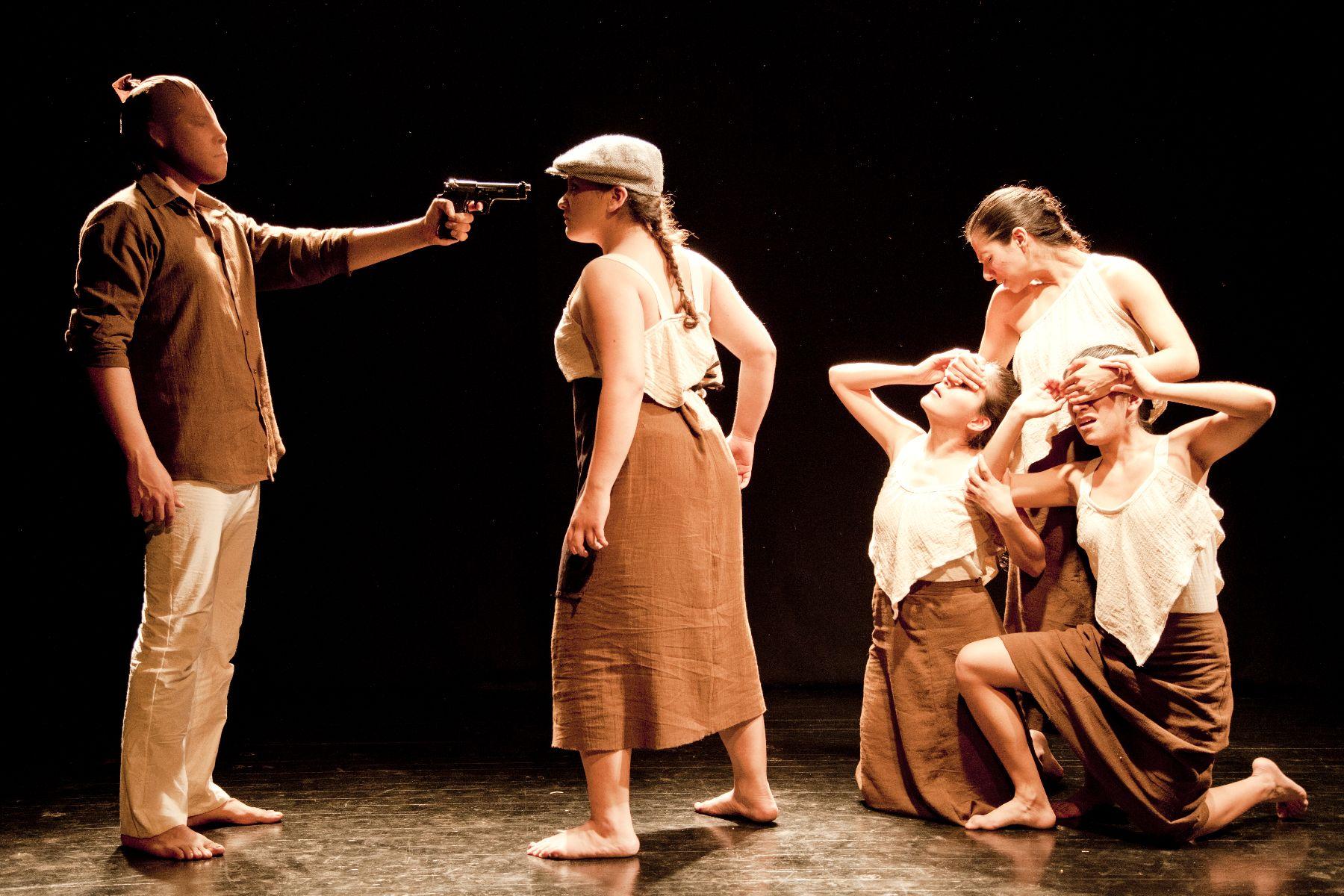 Representan obra de teatro alem n contempor neo de tr gica for La cocina obra de teatro