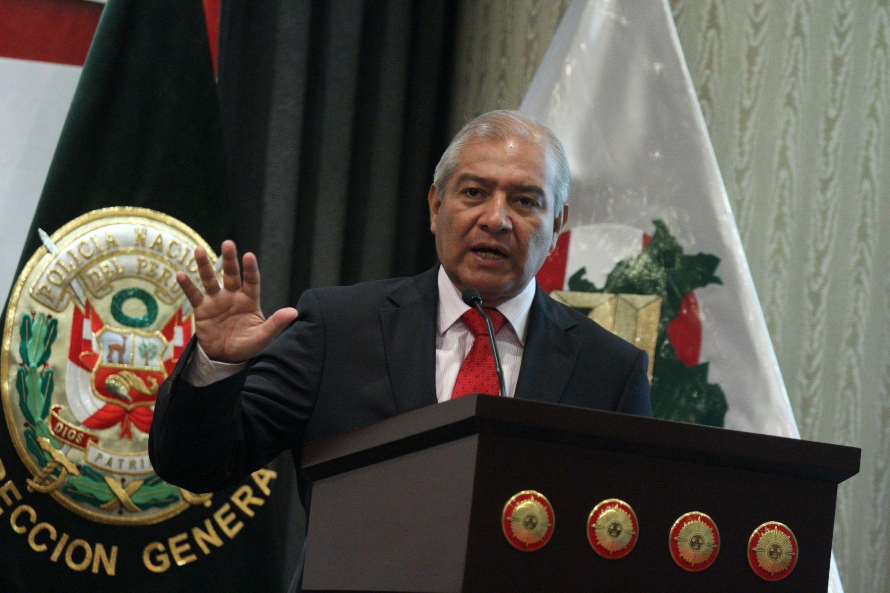 Ministro del interior llama al pa s a unirse contra la for Como se llama el ministro del interior