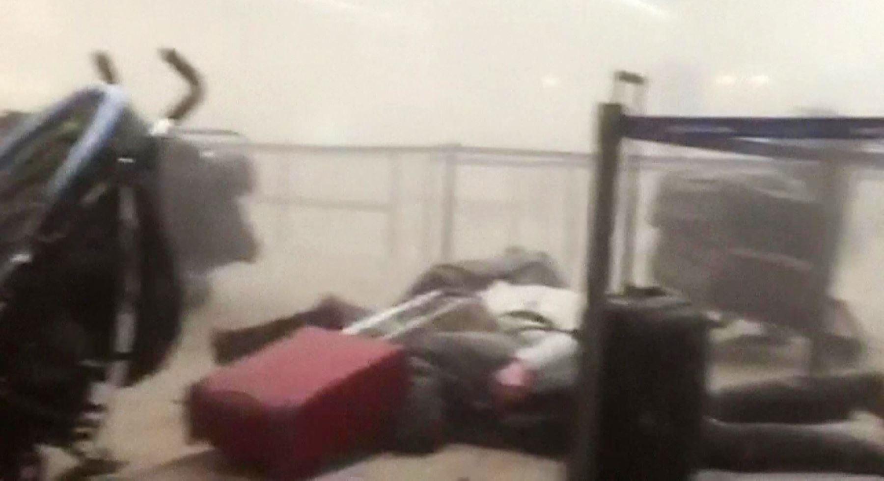 Una tercera bomba en el aeropuerto de bruselas no estall for Interior zaventem