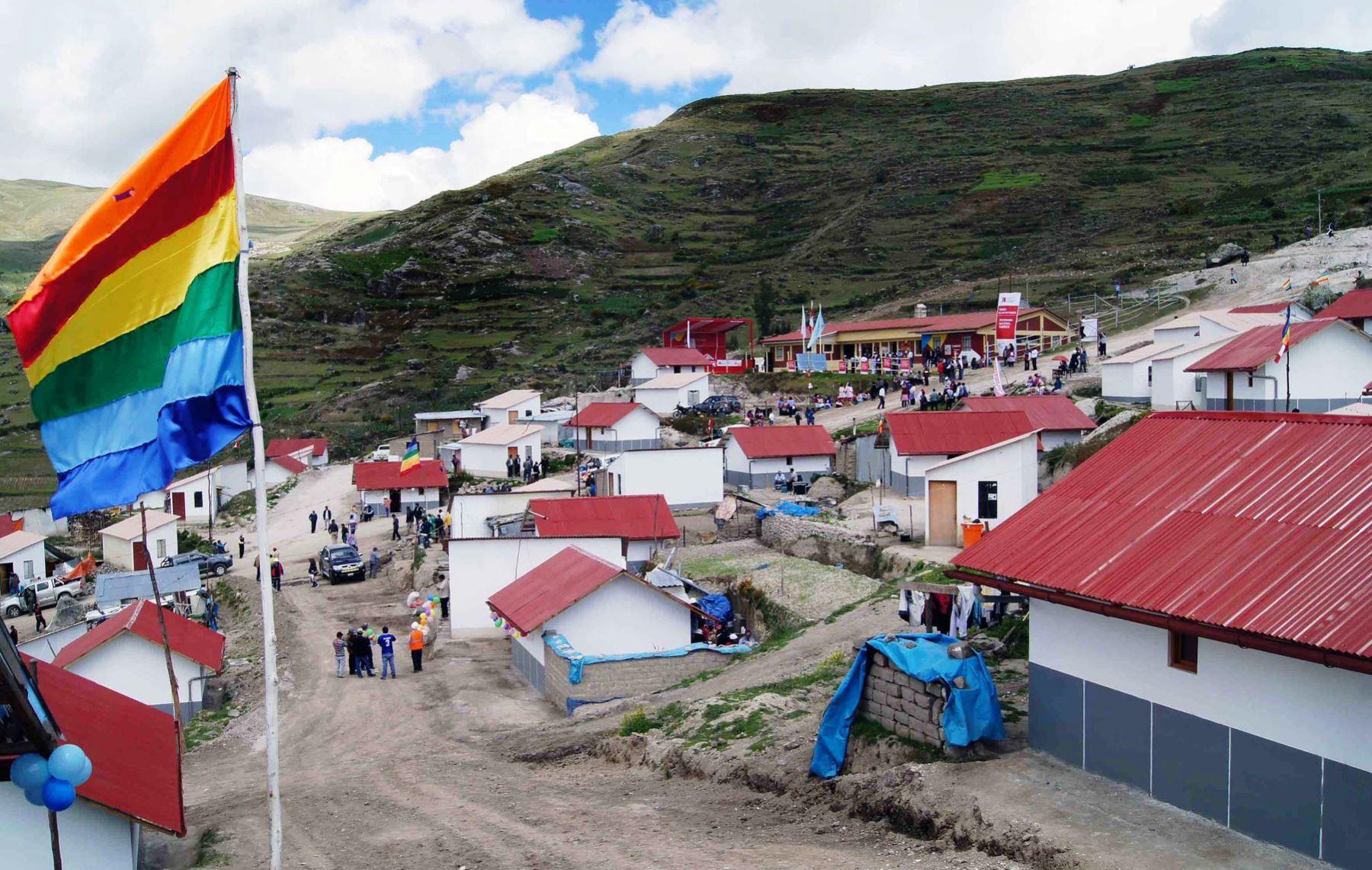 Ministerio de Vivienda construye 1,175 unidades habitacionales para ...