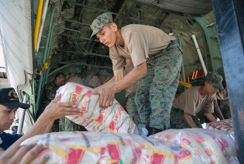 Arriba la ayuda humanitaria por parte del Gobierno peruano. Foto: Presidencia del Ecuador