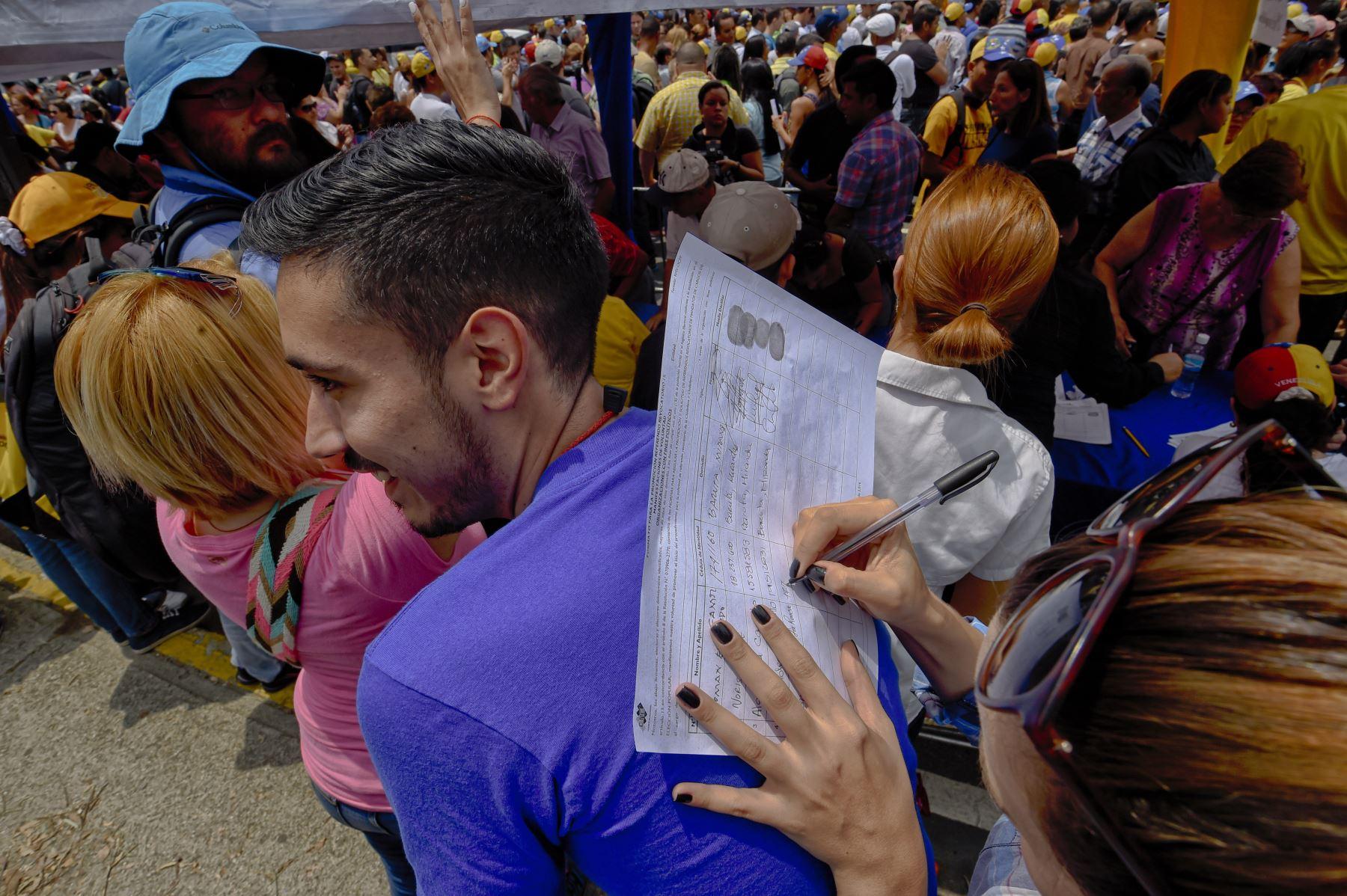 Venezuela: oposición completó firmas para activar revocatorio contra Maduro. Foto: AFP