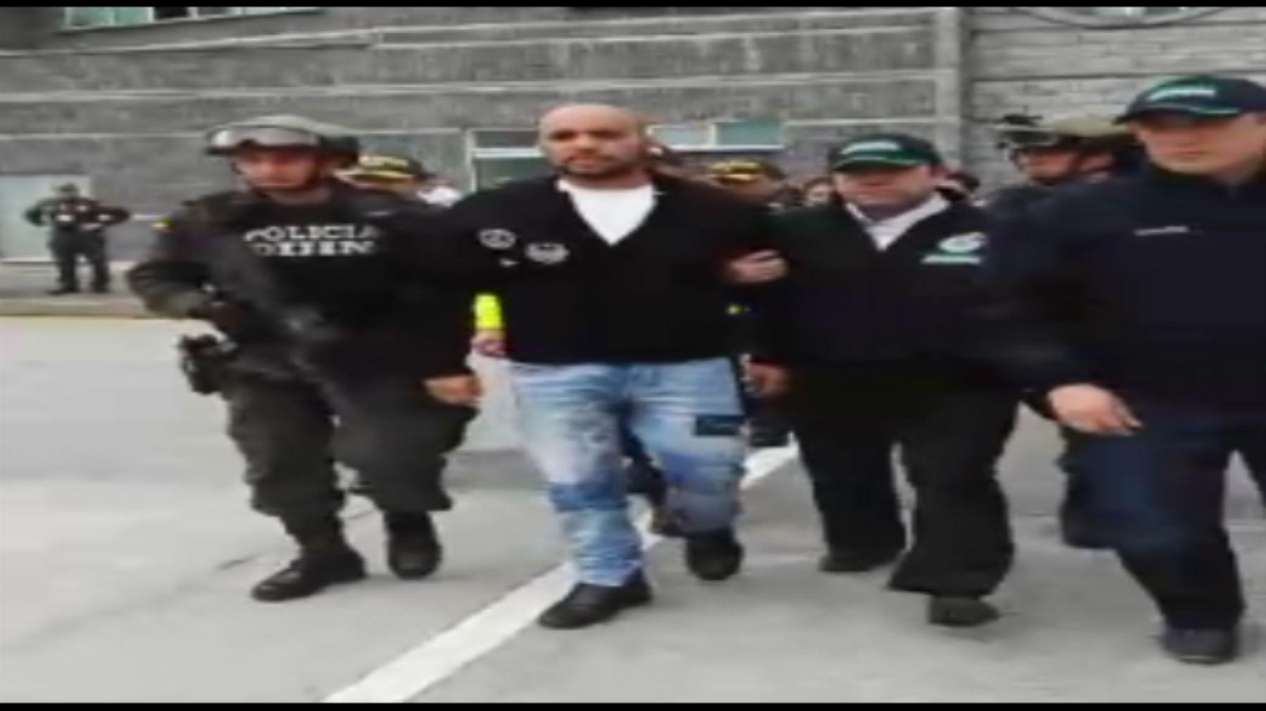 """Gerson Gálvez Calle, """"Caracol"""", sindicado cabecilla de la banda """"Barrio King"""" dedicada a la extorsión, robo agravado, tráfico ilícito de drogas y sicariato en Lima y Callao. Captura TV"""