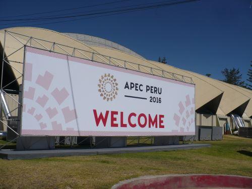 Altos funcionarios de APEC continúan reuniones en Arequipa.