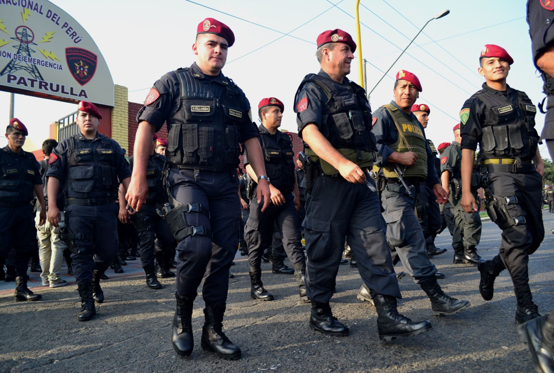 Polic a nacional pone en marcha plan vecindario seguro for Portal de servicios internos policia