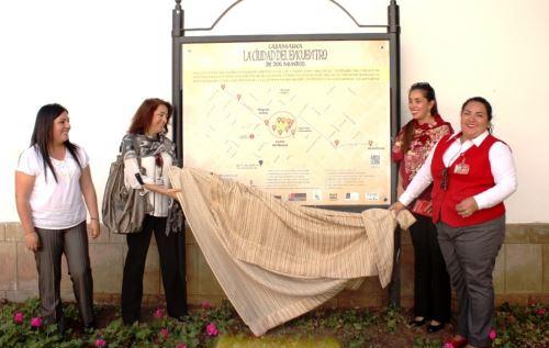 Un total de 16 paneles turísticos con información del encuentro de dos mundos, instaló en Cajamarca el Mincetur. ANDINA/Eduard Lozano