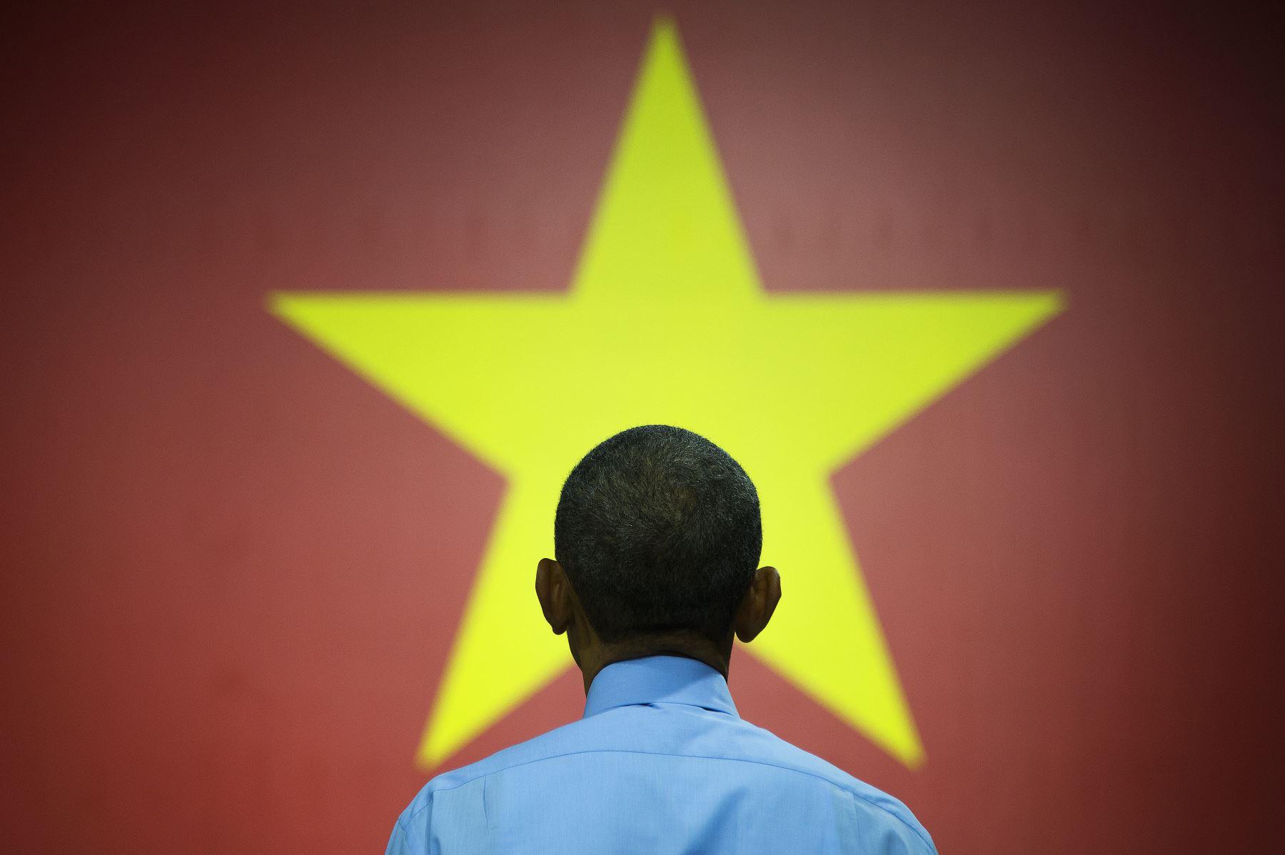 El presidente estadounidense Barack Obama habla a los Líderes Jóvenes del Sudeste Asiático en Ho Chi Minh City.   AFP PHOTO / JIM WATSON