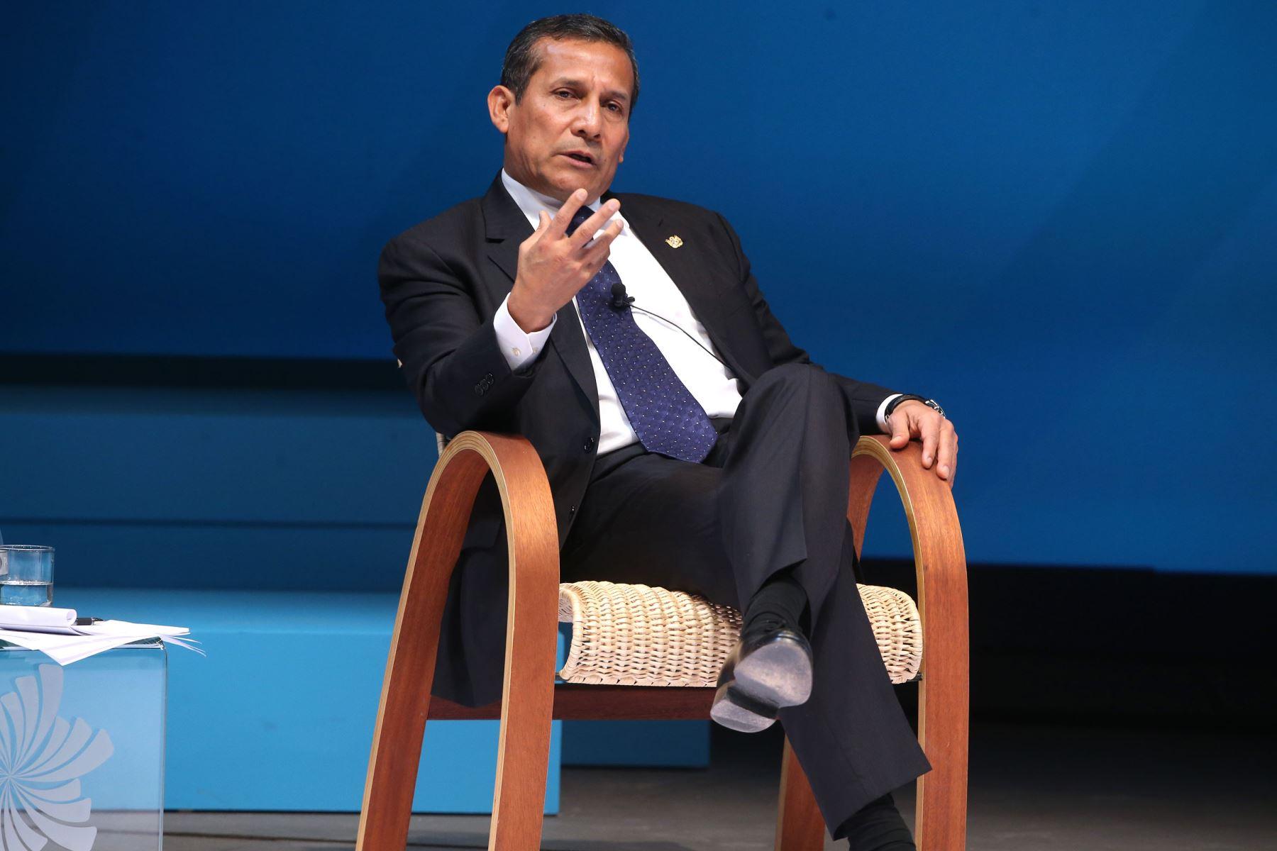 FRUTILLAR,CHILE-JUNIO 30.Jefe de estado Ollanta Humala,expone en la Cumbre  Empresarial de la Alianza del Pacífico. Foto: ANDINA/Juan Carlos Guzmán.