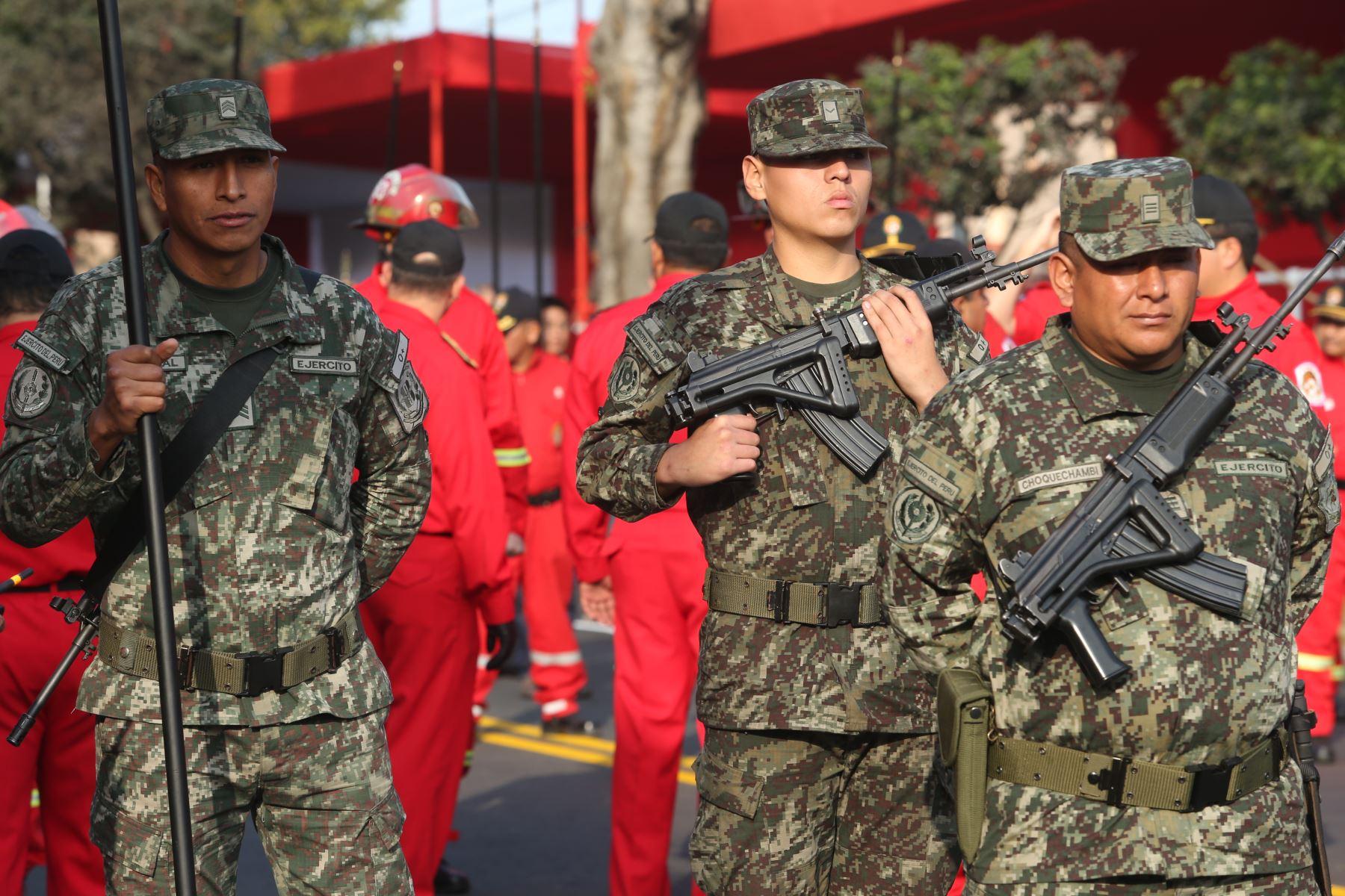 LIMA PERÚ,  JULIO 27. Batallones de las fuerzas armadas ensayan para la parada militar. Foto/ Melina Mejía