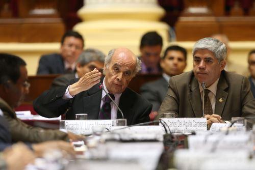 El canciller Ricardo Luna se presenta ante la Comisión de Relaciones Exteriores del Congreso.