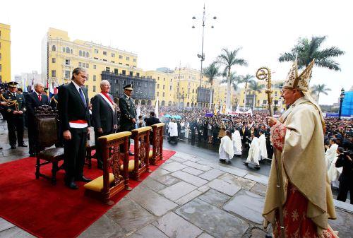 LIMA PERÚ, AGOSTO 30. Presidente de la República Pedro Pablo Kuczynski participa de una Misa de Acción de Gracias en honor a Santa Rosa de Lima, realizada en La Plaza de Armas. Foto: ANDINA/Prensa Presidencia