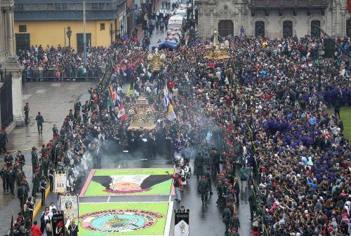LIMA PERÚ, AGOSTO 30. Presidente de la República Pedro Pablo Kuczynski participa de una Misa de Acción de Gracias en honor a Santa Rosa de Lima, realizada en La Plaza de Armas. Foto: ANDINA/Norman Córdova