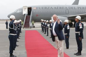Presidente Pedro Pablo Kuczynski viaja a Ecuador para participar en X Gabinete Binacional. Foto: Twitter @ppkamigo
