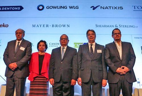 Ministro de Energía y Minas, Gonzalo Tamayo (al centro) rodeado de sus pares de Brasil, Chile, Argentina y Ecuador. Foto: MEM.