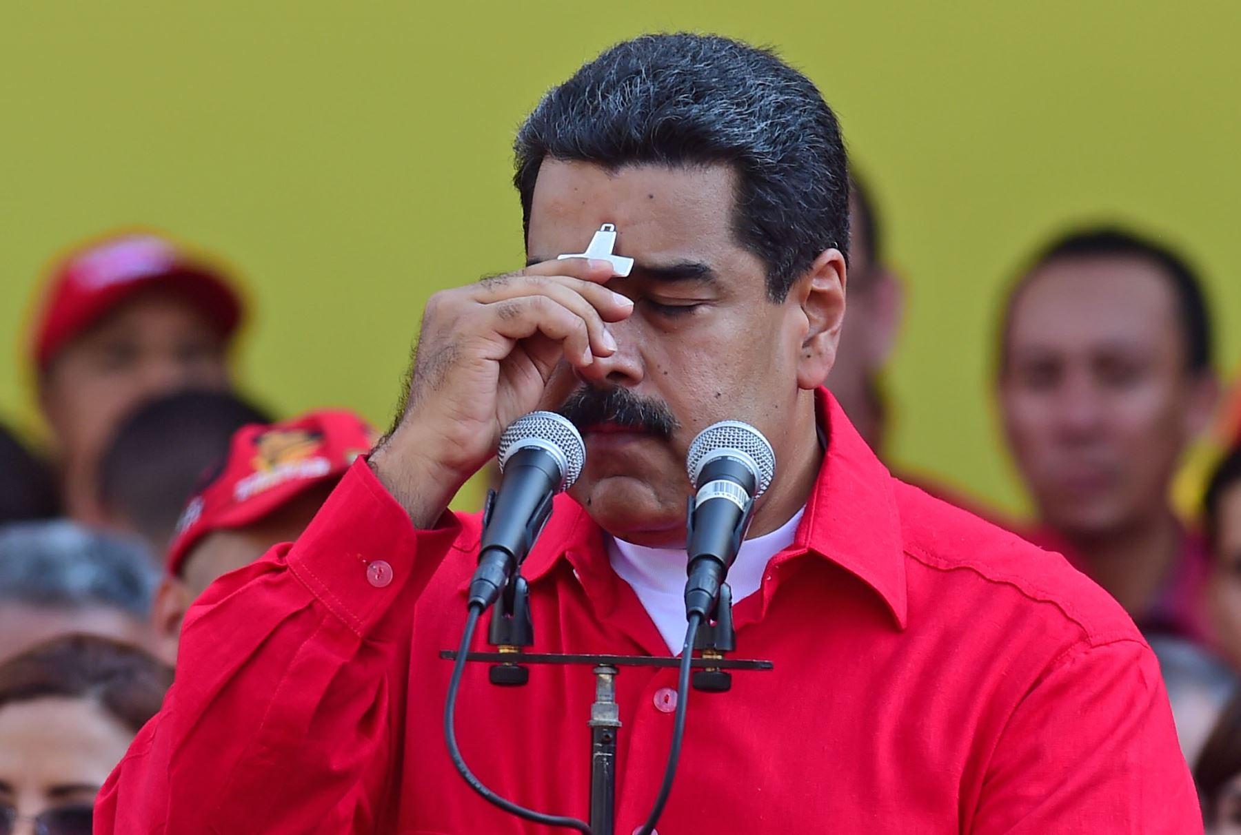 El presidente de Venezuela, Nicolás Maduro,se reúne con sus partidarios en Caracas. Foto: AFP