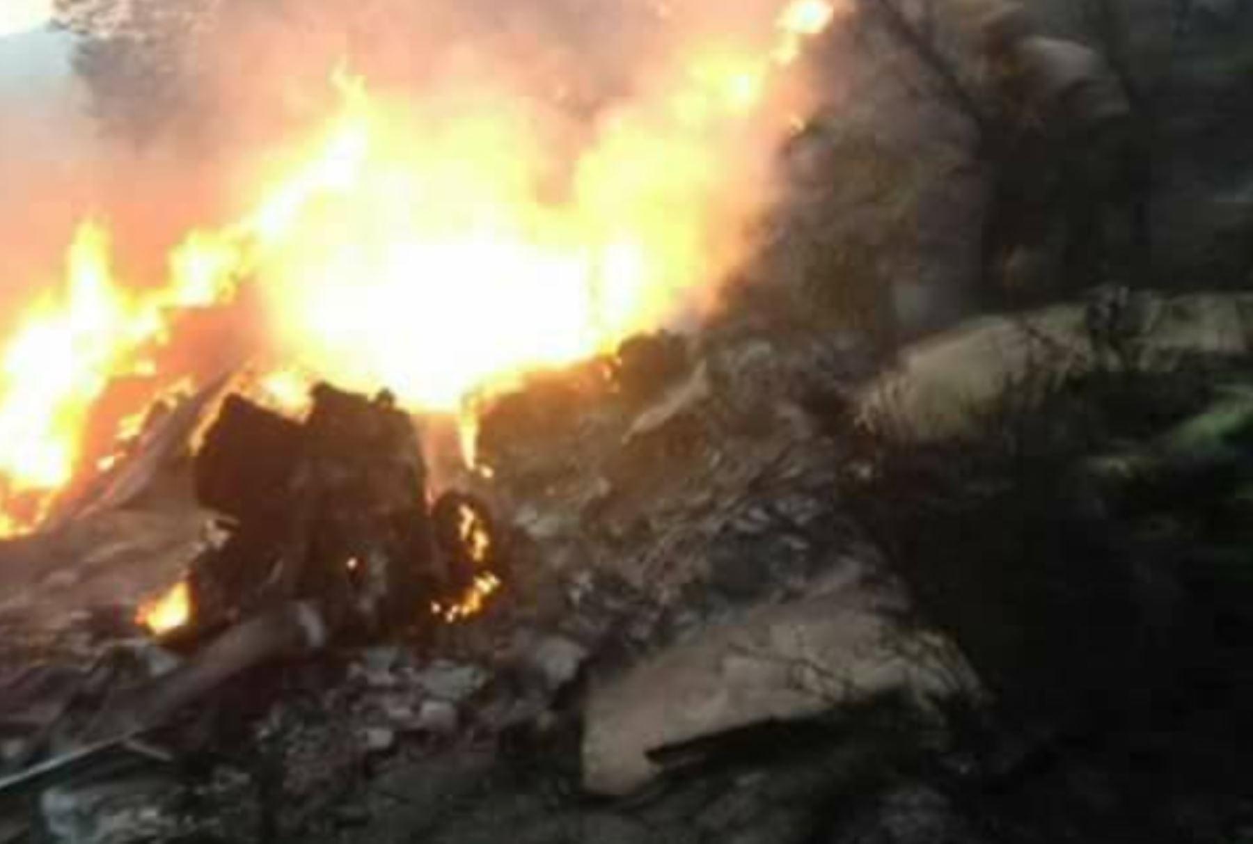 Un avión se estrella en Pakistán con 40 personas a bordo. Foto: Twitter