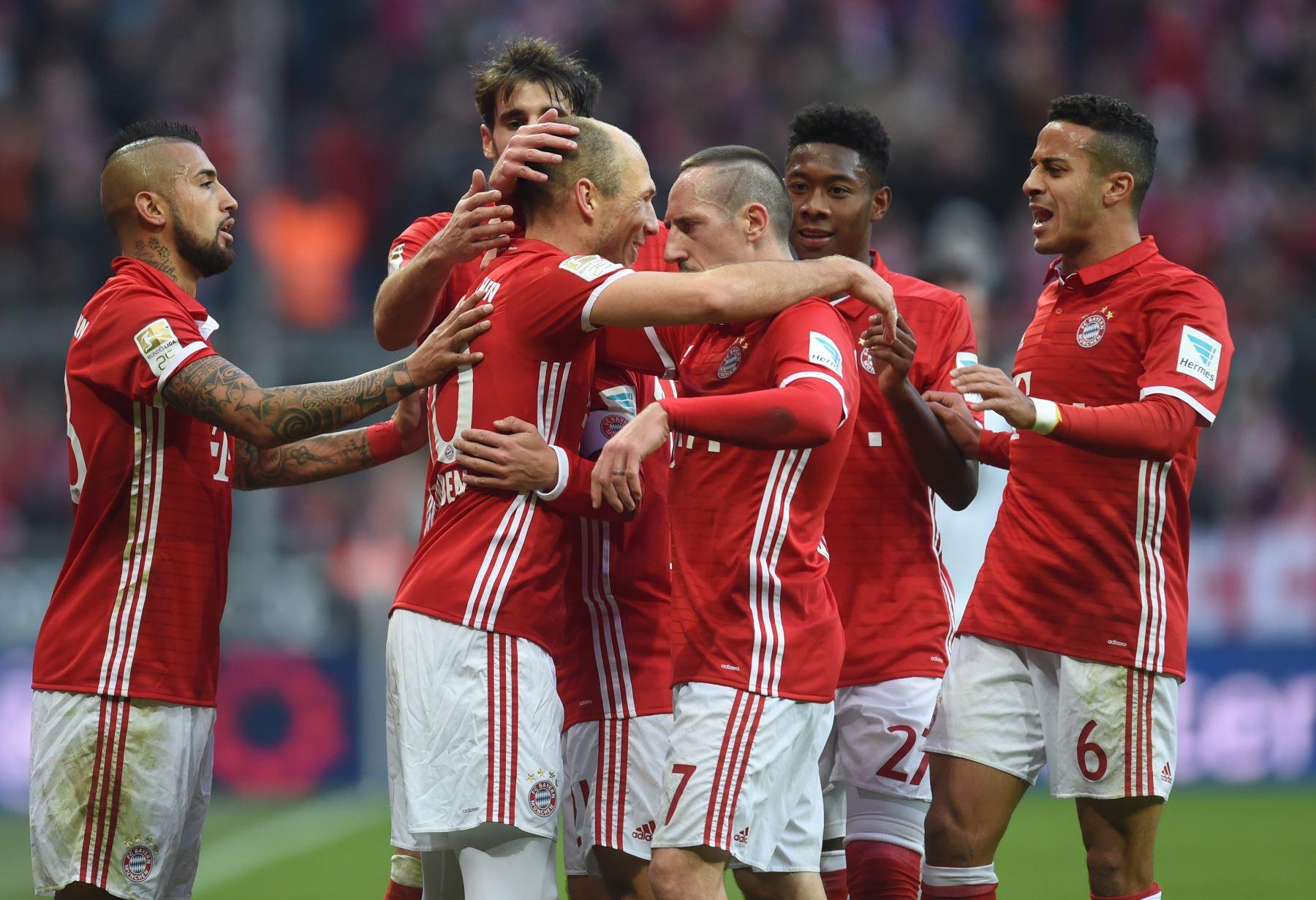 Manita del Bayern al Wolfsburgo (5-0) para hacerse con el liderato