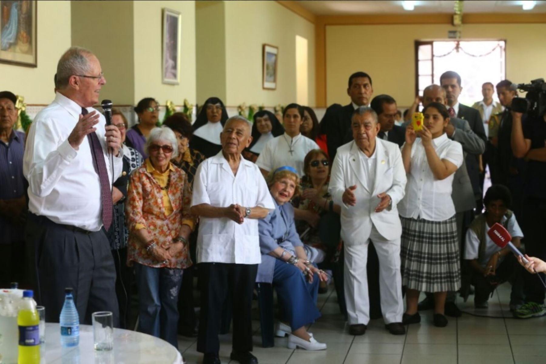 Jefe del estado ofrece apoyo a hogar de ancianos for Asilos para ancianos