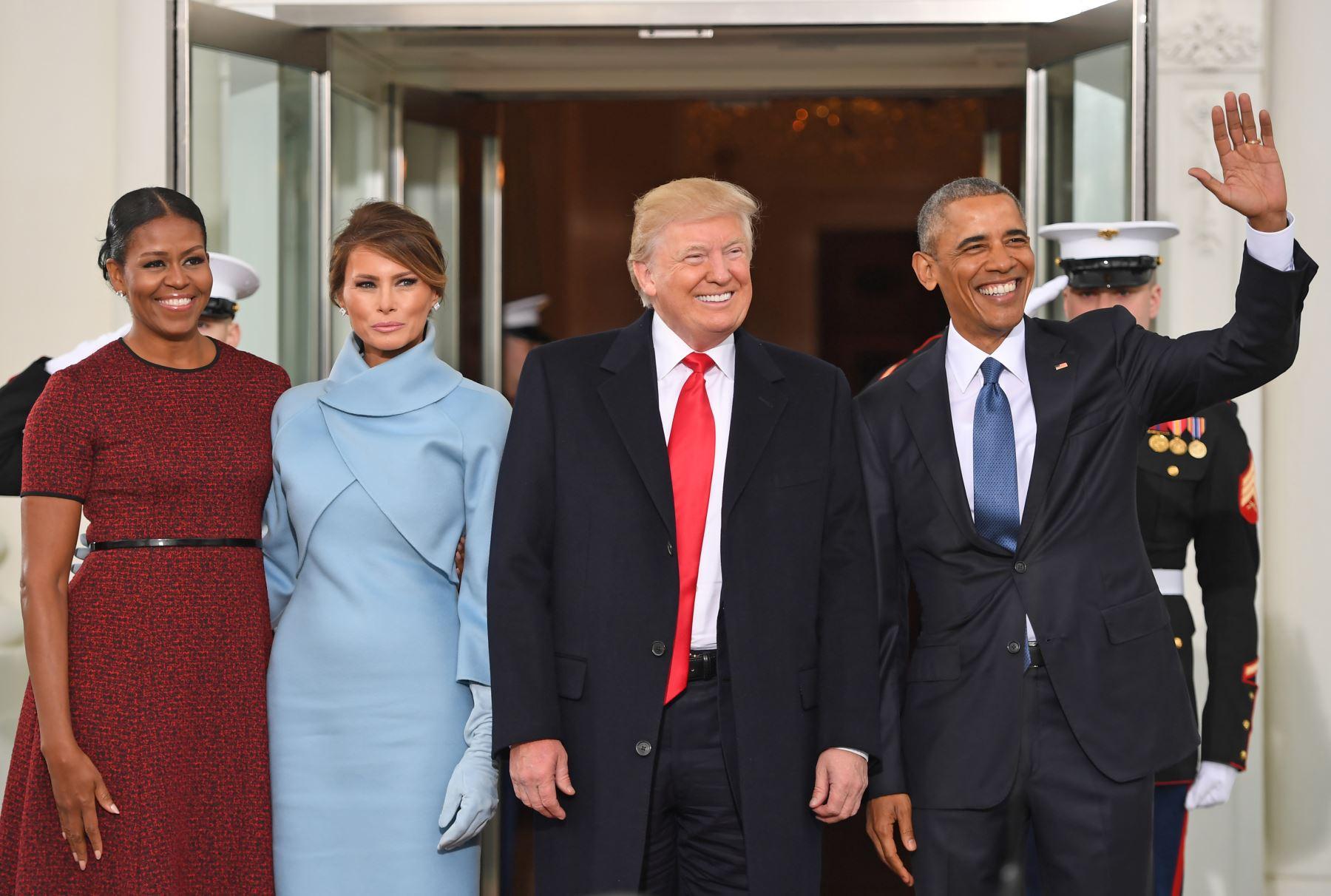 El presidente de Estados Unidos, Barack Obama, recibe al mandatario electo, Donald Trump. Foto: AFP