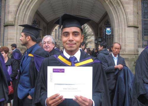 El joven peruano Aníbal Tafur Gutiérrez ocupó el primer puesto en la Maestría en Ingeniería Estructural en la Universidad de Manchester.