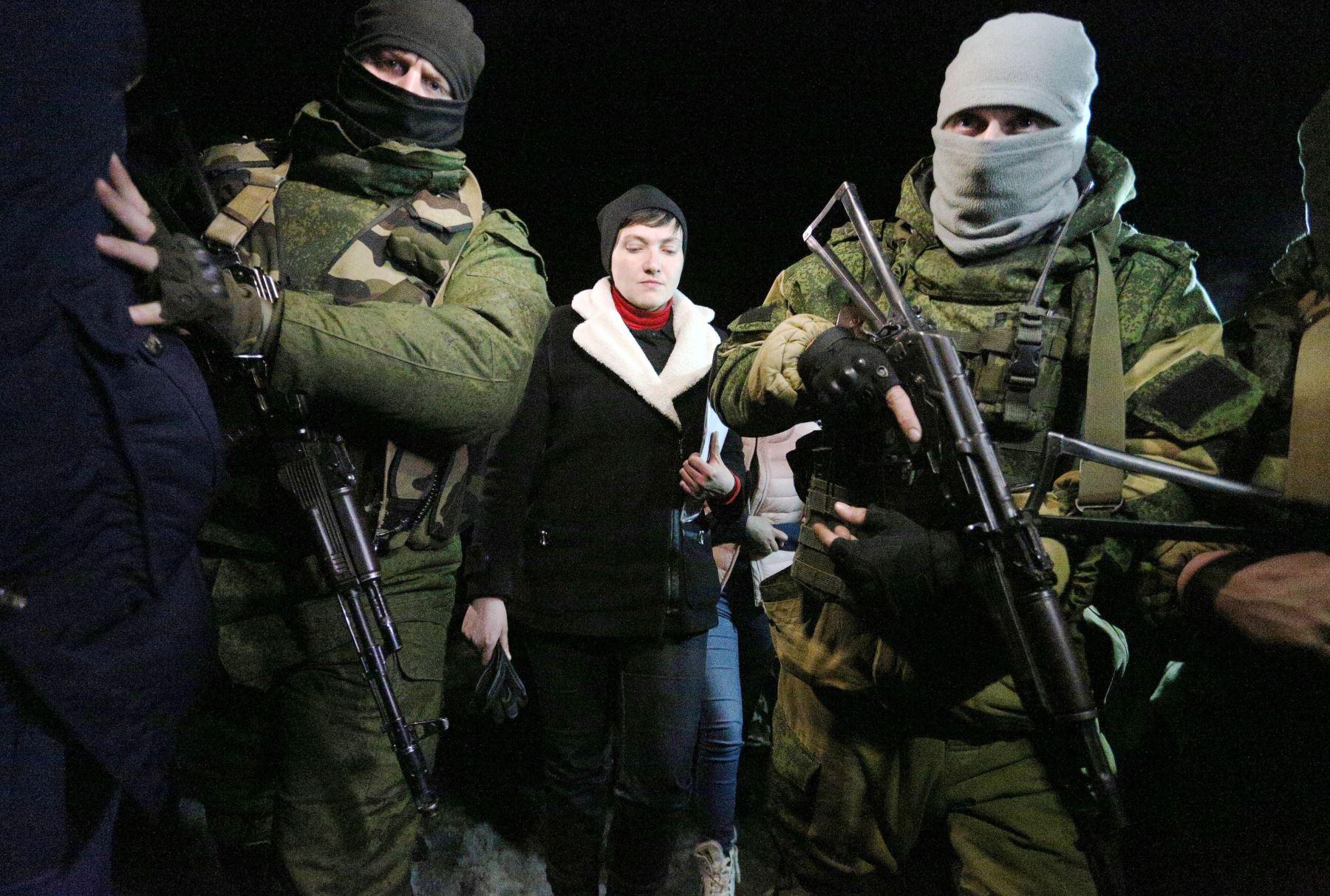 Nadiya Savchenko visita el penal en Makeyevka. Foto: AFP